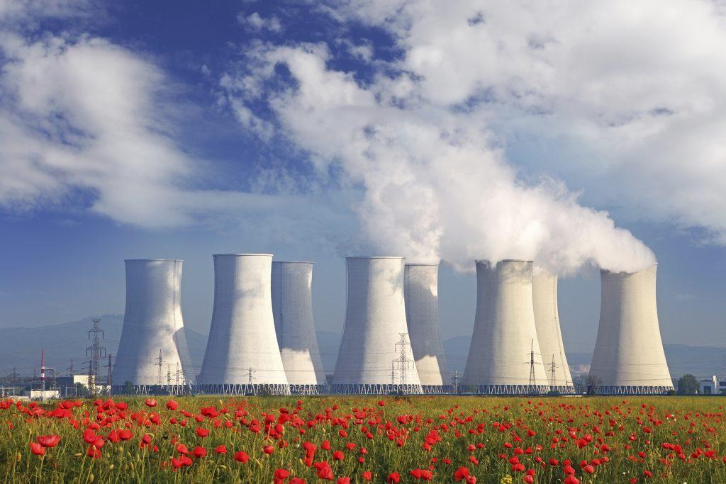 الاستخدامات السلمية للطاقة النووية