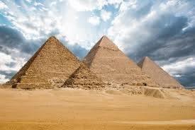 لغز بناء الأهرامات